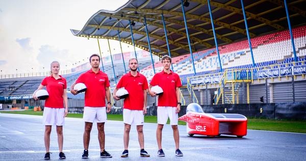 Solar Team Twente onthult 'kleine coureurs' op TT-circuit - Tubantia