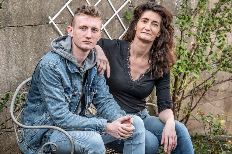 Mieke Deltomme en haar zoon Aico