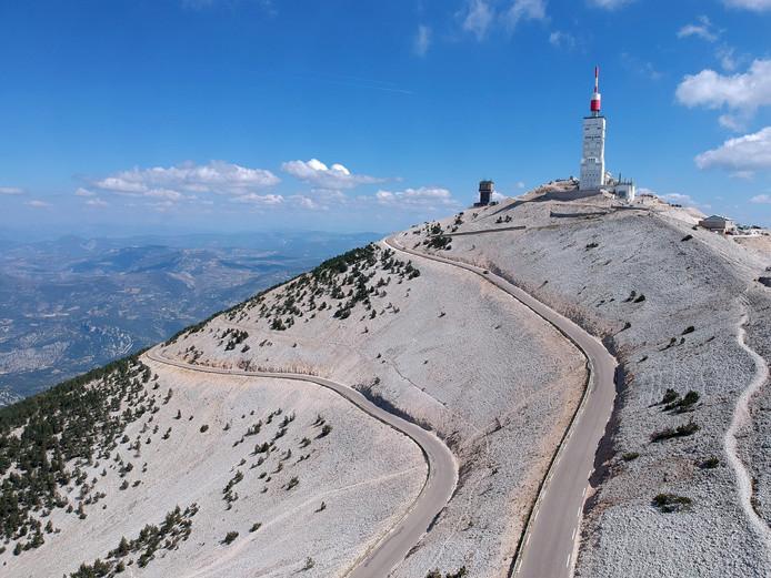 De top van de Mont Ventoux, ook wel de kale berg genoemd..