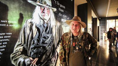 Nieuwe expo voor Nationaal Tabaksmuseum: zeven rokende inwoners en één dromedaris