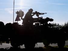 Hedel schrikt van geweervuur in de nacht; gelukkig zijn het dit keer losse flodders van het leger
