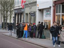 Hoestende coronaschreeuwer die agent bespuugde bij wachtrij voor coffeeshop Den Bosch voor de rechter