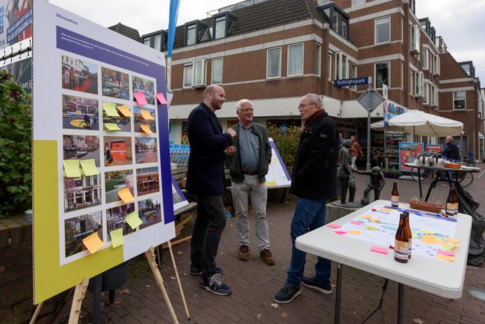 Inwoners konden op verschillende plekken in Heeze in gesprek over de centrumontwikkeling.