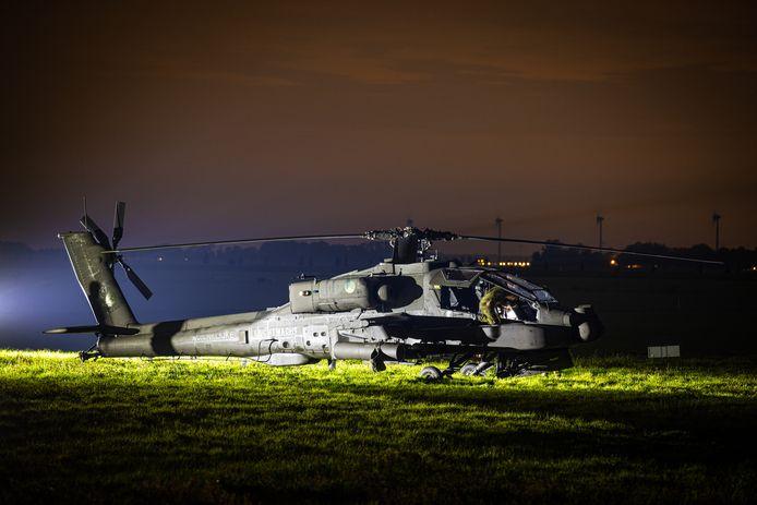 Een Apache gevechtshelikopter van de Luchtmacht heeft woensdagavond een voorzorgslanding gemaakt in een weiland vlakbij Elburg.