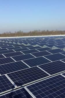 Vijfhonderd zonnepanelen op dak Midden Nederland Hallen