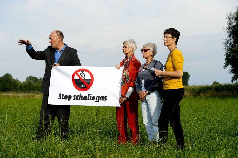 Milieudefensie bezoekt samen met bewonersgroepen een boorlocatie voor de mogelijke proefboringen van schaliegas in Boxtel. (archiefbeeld) Beeld anp