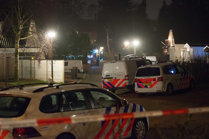 Voor de gewapende overval in december 2016 (foto) op een echtpaar in het woonwagenkamp aan de Deventerweg in Harderwijk is deze week een 37-jarige inwoner van Vlaardingen aangehouden. De politie sluit meer aanhoudingen in deze zaak niet uit.