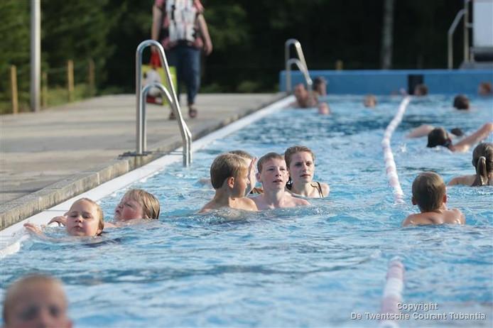 Openluchtzwembad De Zandstuve in Vroomshoop.