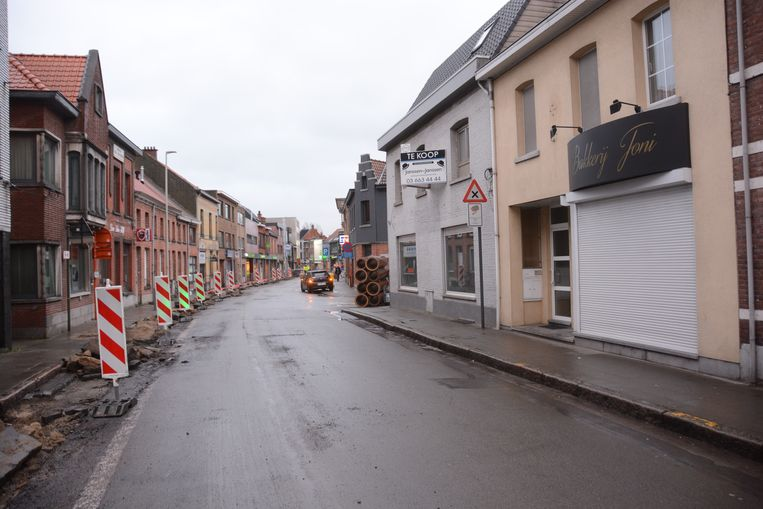 Ook aan het Yzerhand, voor de deur van zijn tweede filiaal, zijn deze week grote wegen- en rioleringswerken gestart.