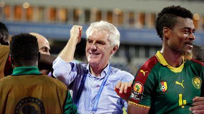 Hugo Broos stunt wéér met Kameroen: na Senegal nu ook Ghana eruit en naar finale