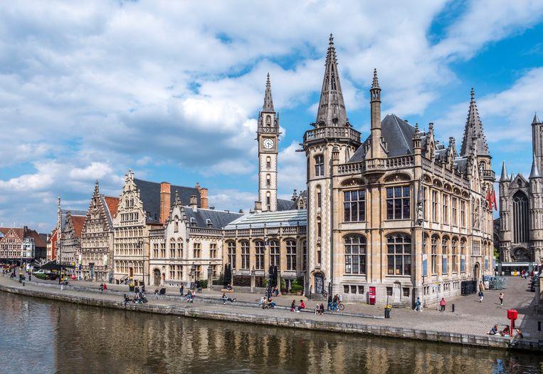 De historische panden langs de Gras- en Korenlei zijn soms mooier dan in Amsterdam. Beeld Getty Images