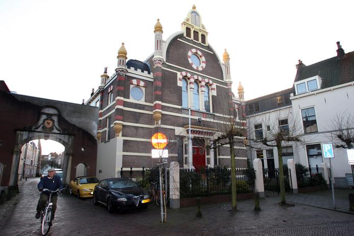 De synagoge aan de Golstraat in Deventer.