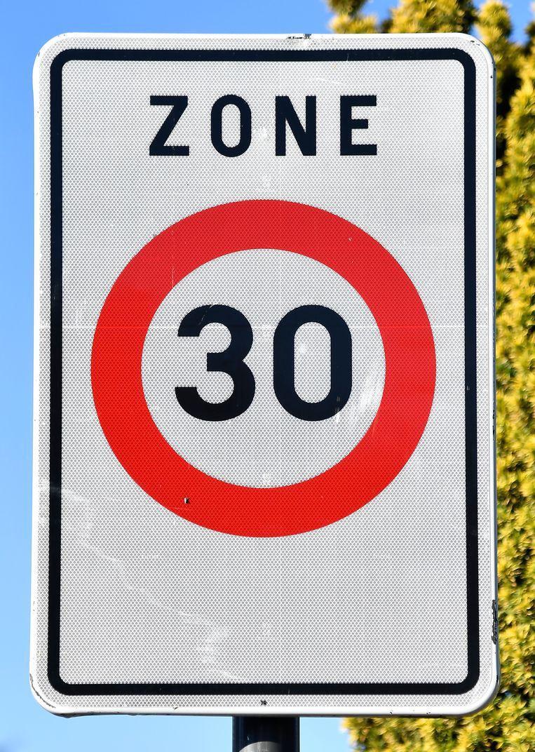 De man reed 63 kilometer per uur in een zone dertig.