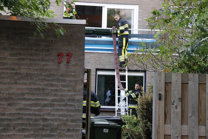 De brandweer in actie in Molenhoek.