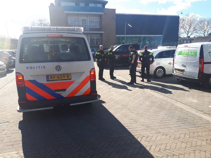 De Turkse moskee in Roosendaal extra beveiligd.