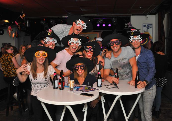 Team Hoegliboegli heeft al heksenhoeden en feestbrillen gewonnen.