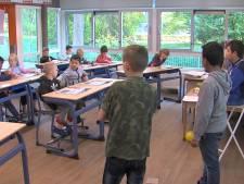 Leerlingen Zoetermeerse basisschool staan zelf voor de klas op stakingsdag