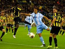 Chelsea huurling Dabo van Vitesse draagt altijd herdenkingsklaproos