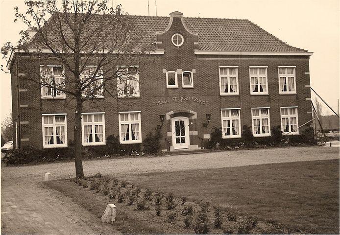 Huize Sint-Jozefzorg in Esch, omstreeks 1950