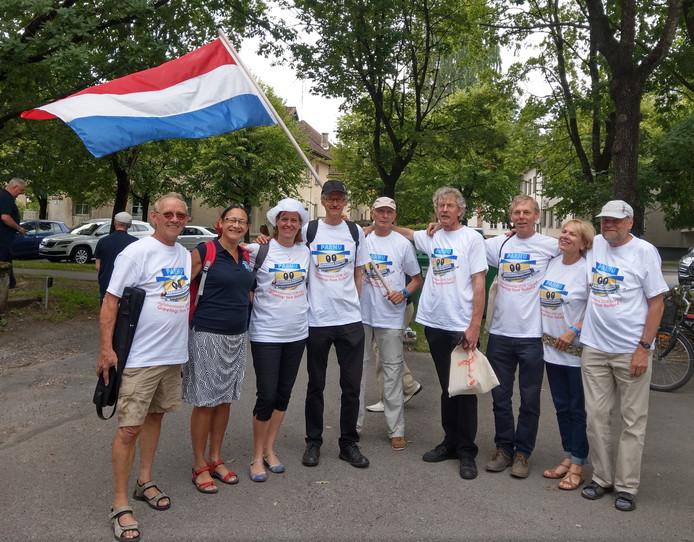 De Nederlandse selectie mondharmonicaspelers in Estland.
