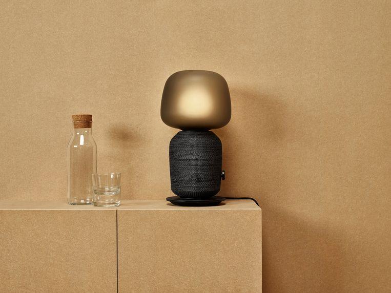 De Symfonisk, een speakerlamp van Ikea in samenwerking met Sonos. Beeld Ikea