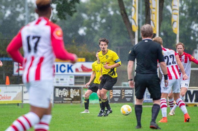 Foto uit het duel van Leones met SV TOP van vorig seizoen ter illustratie.
