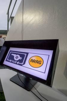 KNVB: Duels gaan door als verbinding met VAR wegvalt