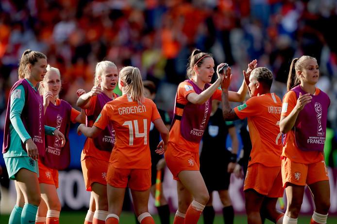 Oranje viert het behalen van de volgende ronde