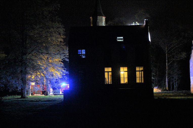 De brandweer aan het kasteel van Ryckevelde.