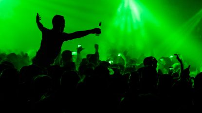 Politie doekt illegale raveparty op: 24 feestvierders beboet