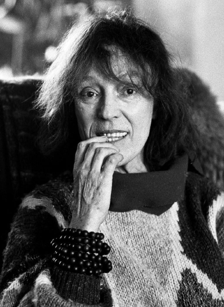 Bibeb in 1985 in haar huis in Scheveningen. Deze week overleed ze op 95-jarige leeftijd. Veel van haar interviews werden gebundeld, zoals hieronder. (FOTO BERT NIENHUIS, ANP) Beeld ANP