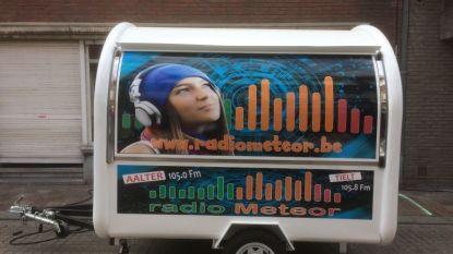 Radio Meteor trekt naar luisteraars tijdens Zomertoer