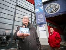 Trouwe FC Den Bosch-fans leveren na 40 jaar seizoenskaart in: 'Ze schuppen ons d'r uit'