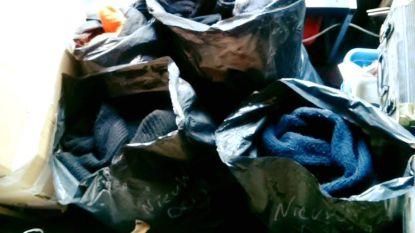 """Tiental dozen en zakken vol kleren achtergebleven na nieuwjaarsdrink in Afsnis: """"Is iedereen naakt vertrokken?"""""""
