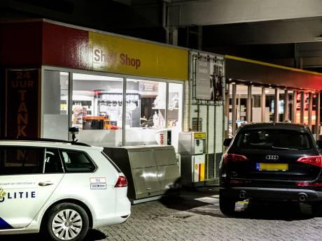 Politie start zoekactie na gewapende overval tankstation Arnhem
