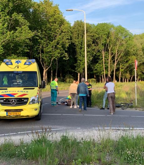 Wielrenner gewond en fiets kapot door aanrijding op Madesteinweg