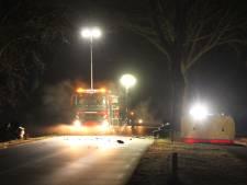 Dodelijk ongeval in Bornerbroek: auto in twee delen aan weerszijden van de weg