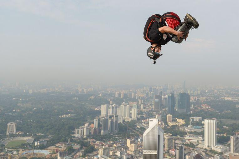 Base-jumpen in Maleisië Beeld afp