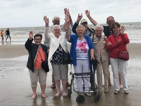 Dagje naar zee; hartenwens Jo Robben uit Bakel in vervulling