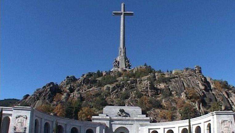 Vallei der Gevallenen, Francisco Franco ligt hier op dit moment nog begraven. Beeld