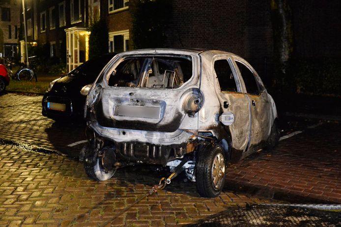 Vier auto's gingen in vlammen op in Breda.