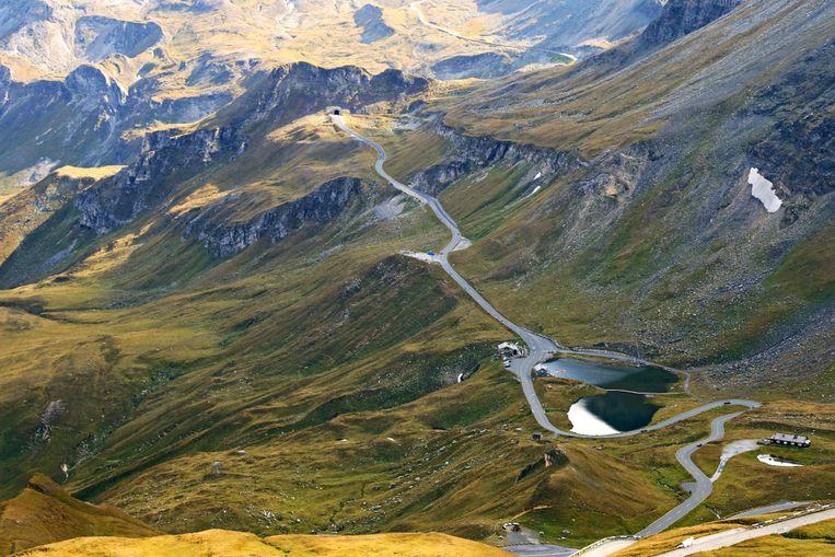 De Grossglockner Hochalpenstrasse is een 48 km lange panoramische tolweg doorheen een nationaal park in Oostenrijk.