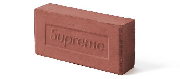 Baksteen van Supreme. Beeld