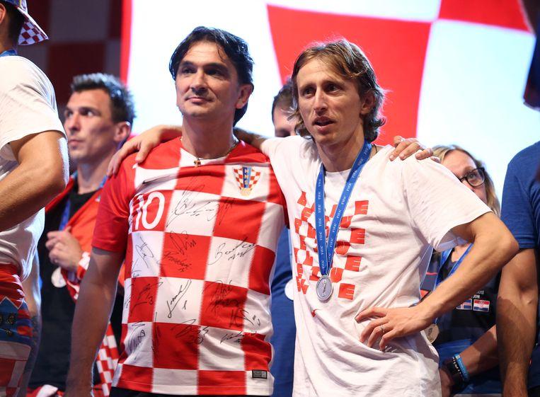 Zlatko Dalic (l) aan de zijde van Luka Modric.