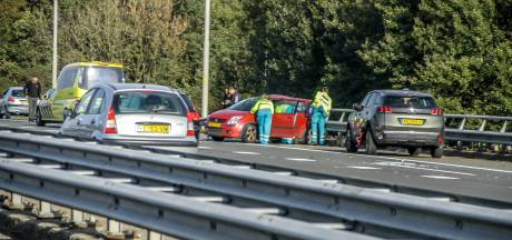 Automobiliste gewond na aanrijding op A28