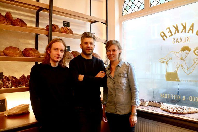 Christophe, Klaas en Trui openen over enkele dagen Bakker Klaas in de Baudelostraat.