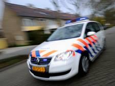 Man (37) die agente meesleurde met auto opgepakt in Lievelde