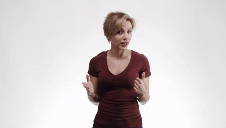 Scarlett Johansson in de video. Beeld Screenshot