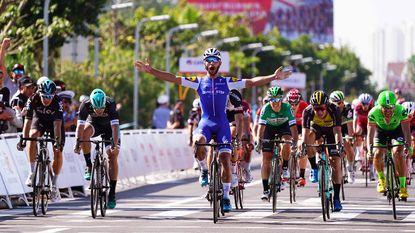Spurtbom Gaviria meteen oppermachtig in eerste rit Tour of Guangxi