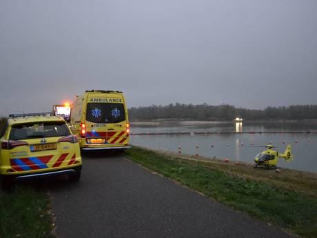49-jarige man overleden na botsing scooters op dijk bij Haalderen